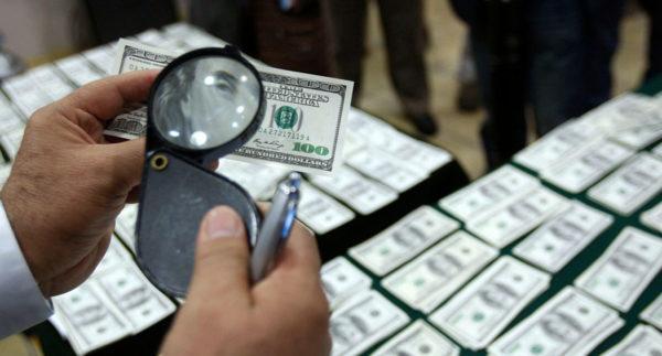 Фальшивомонетчики ввозили в Украину крупные партии долларов США
