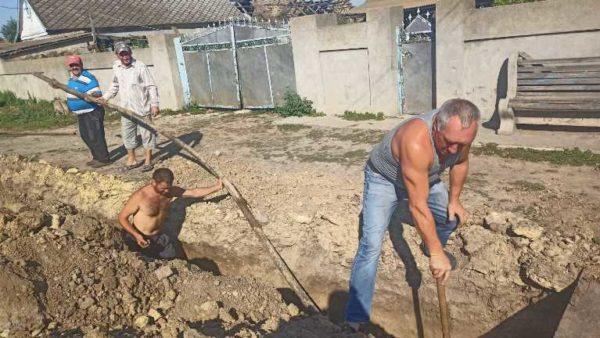 В с.Главани Арцизской громады проводят работы по замене водопровода