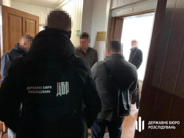 Одесский чиновник за взятки разрешал ресторанам работать во время карантина