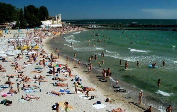 На некоторых пляжах Одессы не рекомендуется купаться