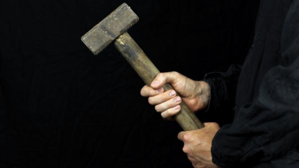 Жительница Одесской области отделалась условным сроком за избиение односельчанки молотком