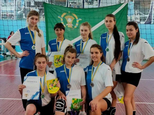 Женская сборная Арцизской громады по волейболу вошла в тройку лучших в области