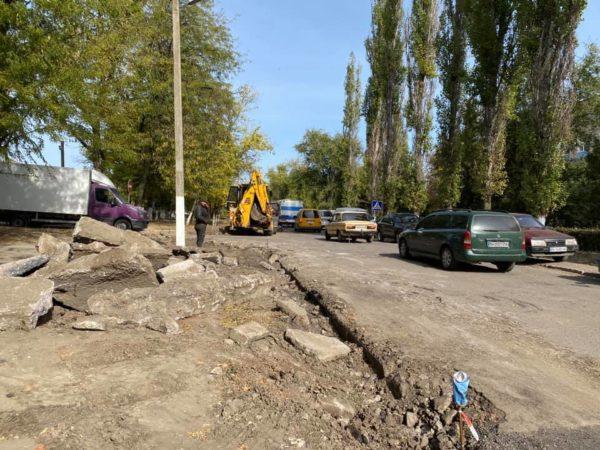 В Арцизе идет капитальный ремонт дороги возле Арцизской центральной больницы (ФОТО)